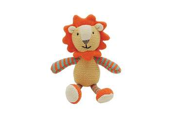 Knitted lion rattle - Lenny - Walton &amp Co